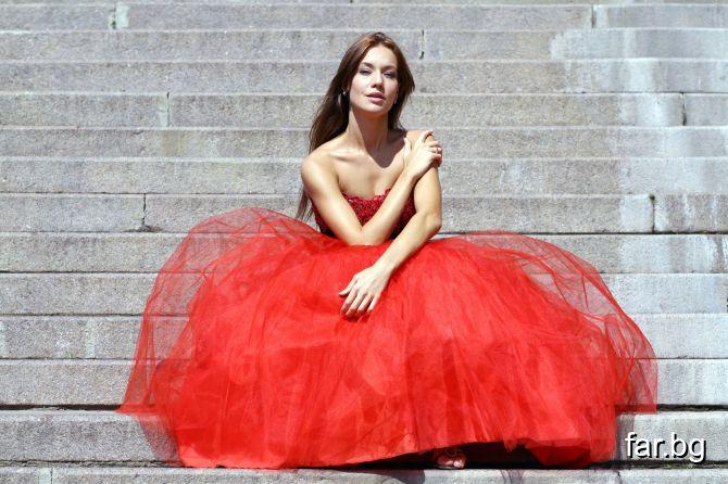 Сняла красное платье 8 фотография